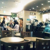 Photo taken at Angel in-us Coffee by Jun L. on 6/15/2012