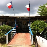 Photo taken at Bubba's Texas Burger Shack by Craig W. on 4/14/2011