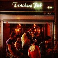 Photo prise au Teachers Pub par kaan g. le8/22/2012