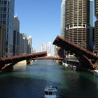 Foto scattata a Chicago Riverwalk da Matthew K. il 6/10/2012