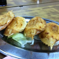 Photo taken at Restaurant Stuff Crab Kemaman by Chai Y. on 5/7/2011