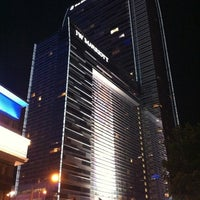 Foto tirada no(a) JW Marriott Los Angeles L.A. LIVE por Mike W. em 10/4/2011