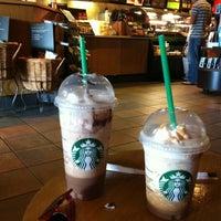 Photo taken at Starbucks by Jose antonio N. on 8/24/2011