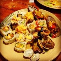 Das Foto wurde bei Shinju Japanese Buffet von Amadi S. am 2/20/2012 aufgenommen
