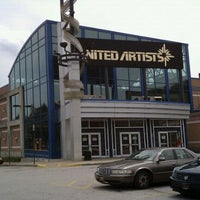 Photo taken at United Artists Main Street Theatre 6 by Zach Q. on 2/15/2011
