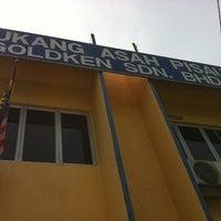 Photo taken at Tukang Asah Pisau Goldken Sdn Bhd by Fitrie on 10/10/2011