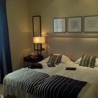 Foto scattata a Hotel Amigo da Pavel E. T. il 8/24/2012