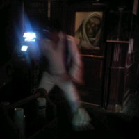Photo taken at Mad Hatter Olde British Pub by Kym T. on 10/29/2011