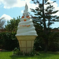 Photo taken at Giant Ice Cream Cone by Fanny C. on 10/12/2011