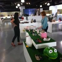 Photo taken at Hispanitas Factory-Shop by Emili S. on 5/19/2012