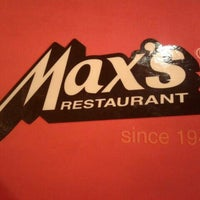 Photo taken at Max's Restaurant by Einard R. on 4/18/2012