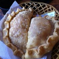 Foto tomada en Empanadas Banana por Danny S. el 3/3/2012