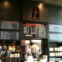 Foto scattata a Stumptown Coffee Roasters da Tanya R. il 6/6/2011