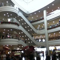 Photo taken at Robinsons Place Manila by @enjayneer on 12/21/2010