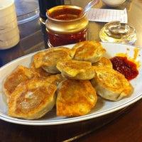 Foto tomada en Peking Dumpling Wong 北京水餃皇 por Brittany H. el 1/14/2012