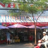 Photo taken at Như Lan by Nemo T. on 3/29/2012
