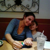 Photo taken at Olive Garden by Lacy B. on 12/30/2011