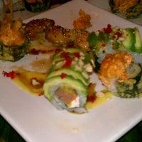 12/28/2011 tarihinde David P.ziyaretçi tarafından RA Sushi'de çekilen fotoğraf