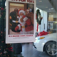 Photo prise au Chevy Chase Acura par Dave S. le12/2/2011