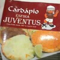 Foto tirada no(a) Esfiha Juventus por Fabinho S. em 3/13/2012