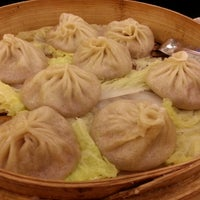 Photo taken at Joe's Shanghai 鹿鸣春 by Rhea P. on 9/2/2012