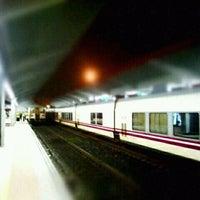 Foto tirada no(a) Estación de Ourense - Empalme | ADIF por Jose Ramon A. em 12/3/2011