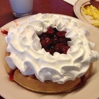 3/10/2012 tarihinde 😳Terrill T.ziyaretçi tarafından Overlook Restaurant'de çekilen fotoğraf
