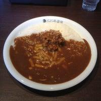 Photo taken at CoCo壱番屋 伊勢崎茂呂町店 by utaiwa on 3/27/2012