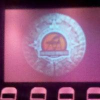 Foto tirada no(a) The Gateway Theatre por Andy J. em 8/24/2012