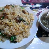 Photo taken at 中華料理 味遊 by sorami on 1/12/2012