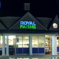 Photo taken at Royal Farms by Lauren W. on 11/24/2011