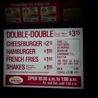 Photo taken at In-N-Out Burger by ☠Joshua R. on 9/11/2011