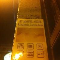 รูปภาพถ่ายที่ Hostel RC Miguel Angel โดย Joaquin M. เมื่อ 12/13/2011