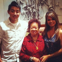 Photo taken at Fung's Kitchen by Mel 💋 May Ü. on 11/27/2011