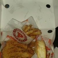 Photo taken at Popeyes Louisiana Kitchen by K russ R. on 6/6/2012