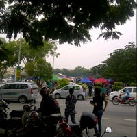 Photo taken at Bazaar Ramadhan Seksyen 7 by Azlan L. on 8/4/2012