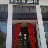 Foto tomada en Maria Antonieta por Jackie S. el 8/4/2012