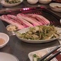 Photo taken at Muk Eun Ji by Benedict C. on 11/20/2011
