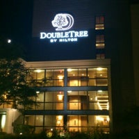 Photo taken at DoubleTree by Hilton Hotel Chicago - Arlington Heights by South M. on 9/5/2011
