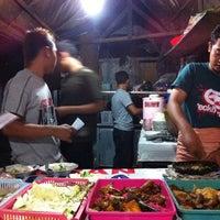 Photo taken at Spesial Sambal Bawang Mas Kobis by Prima W. on 10/10/2011