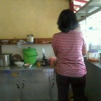 Photo taken at Bubur Ayam Cirebon by Luki S. on 12/18/2011