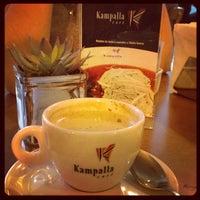 Foto tirada no(a) Kampalla Café por Adriana E. em 6/20/2012