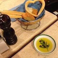 2/17/2012 tarihinde 👸Melike K.ziyaretçi tarafından Mezzaluna'de çekilen fotoğraf