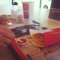 Photo taken at McDonald's & McCafé by Amnat S. on 10/22/2011