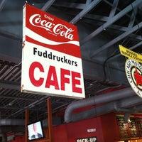 Photo taken at Fuddruckers by Jose B. on 7/4/2012