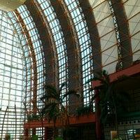 Photo taken at Hilton Fukuoka Sea Hawk by 黒木 翼. on 5/28/2012