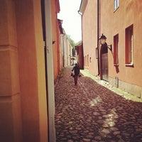 7/14/2012 tarihinde Mace O.ziyaretçi tarafından Vanha Suurtori'de çekilen fotoğraf