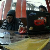 Photo taken at Fakultas Ilmu Sosial dan Ilmu Politik by Popoe S. on 12/5/2011