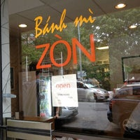 Foto tirada no(a) Banh Mi Zon por Citlalic J. em 5/30/2012
