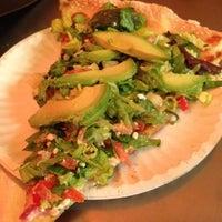 Снимок сделан в Abbot's Pizza Company пользователем S. J. 6/15/2012
